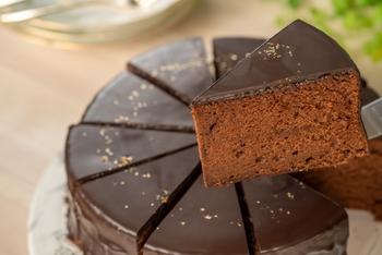 ツヤッと、濃厚な大人ケーキ*《ザッハトルテ》の作りやすいレシピを集めたよ♪