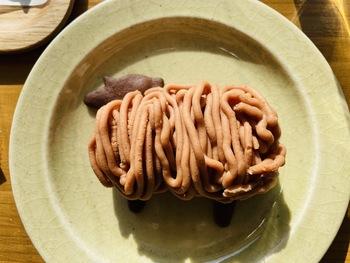 ココアクッキーにモンブランをのせた、その名も「ひつじのモンブラン」もテイクアウトできますよ。現在は金、土、日限定販売です。