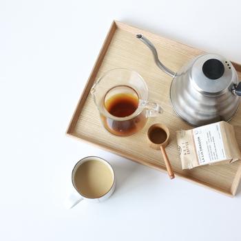 普段は作業のお共に、あるいはほっと一息つきながらボーっと味わうことの多いコーヒー。  でも、ぽっかり時間が空いた日はこのコーヒーを主役にして、じっくり味わい飲み比べてみませんか?