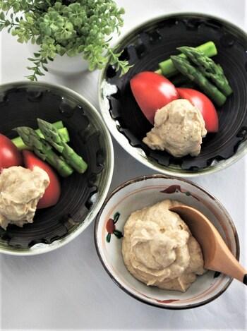 こちらは白みそを使った和え衣。和え衣だけを作って、野菜ディップにすれば簡単サラダになりますね。