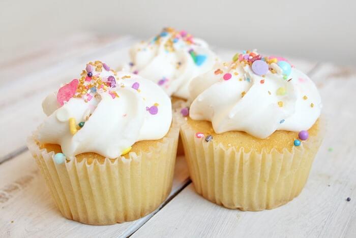 お家おやつの定番に。簡単!かわいい「カップケーキ」基本とアレンジレシピ