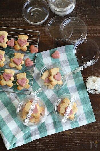 ピンクの小さなハートを抱っこしたクマさんクッキーは、バレンタインにぴったり!食べるのがもったいないぐらい可愛いですね。