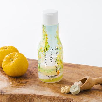 高知県産のゆずと和三盆を使ったシュガースクラブです。フレッシュなゆずの香りで癒されながら、角質をスッキリと落としてくれます。和三盆には保湿効果もあり、しっとりとした洗い上がりが期待できます。