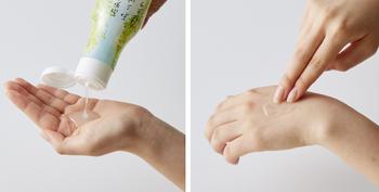 特殊構造のボトルで、空気に触れないからいつでもフレッシュなゆずの香りが楽しめます。防腐剤不使用で、お肌にも優しい作りです。