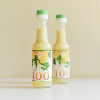 ゆずの産地である島根県益田市美都町で、丁寧に育てられたゆずをそのまま絞ったゆず酢です。ドレッシングの材料にしたり、自家製のポン酢の材料にしたり・・・シンプルだからアレンジの幅も広いです。