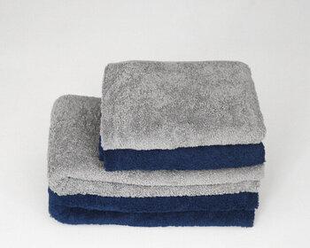 吸水性の高いタオルは、おもしろいほどタオルドライの効率をアップさせてくれます。大判のタオルで、シャンプー後の水分をしっかりと吸収して。