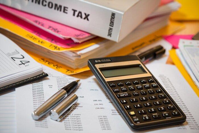 まずは、春ごろにやってくる税金関係の支払い。持ち家の方は固定資産税、車をお持ちの方は自動車税、会社で徴収されていない方は住民税などがあります。引っ越しや買い替えがなければ、大きな額の変化はないと思うので、前年度納付した金額を参考にしましょう。