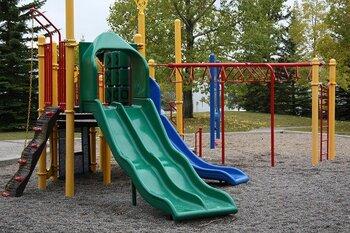 子どもを育んでパパママものんびり♪楽しい公園の過ごし方&グッズ
