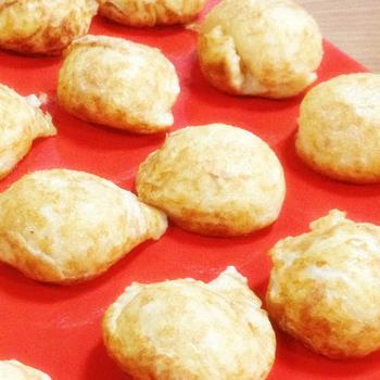 1924年(大正13年)創業の「本家きむらや」。神戸や明石では「玉子焼き」と呼ばれている、明石焼きの名店です。ふわふわ食感で優しい味は創業当時から変わらぬおいしさ。