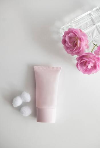 スタイリング剤を選ぶとき、香りも重要なポイントですよね!あまりにもキツイ匂いでは、自分も気分が悪くなってしまったりとせっかく買ったのに使わなくなってしまうことも・・・。パーマ用スタイリング剤を選ぶときは使用感だけでなく、香りもきちんとチェックしましょう!