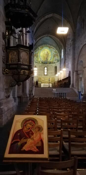 巨人フィンはキリスト教に負け、ルンド大聖堂の柱を抱き固まってしまったと言われています。歴史が深いルンド大聖堂で見るその姿には深みを感じざるを得ません。北欧神話がいかに神聖なものとして大切にされているのかを感じることができますよ。