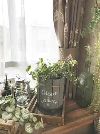 なんと100均のすのこをばらして組み立てなおすとこんなに素敵なプランターに大変身♪お部屋の観葉植物にはもちろん、お庭でも存在感がありそう。