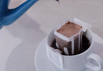カップにのせてそのままお湯を注ぐタイプなので、手間もかからず、「FIKAFABRIKEN」の本格的なお味が楽しめるなんて嬉しいですね。
