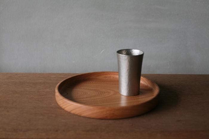 ひとつあると便利です。【丸盆】で食卓を整えよう