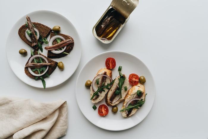 冷蔵庫に余ってない?「アンチョビ」の使いきり絶品レシピ