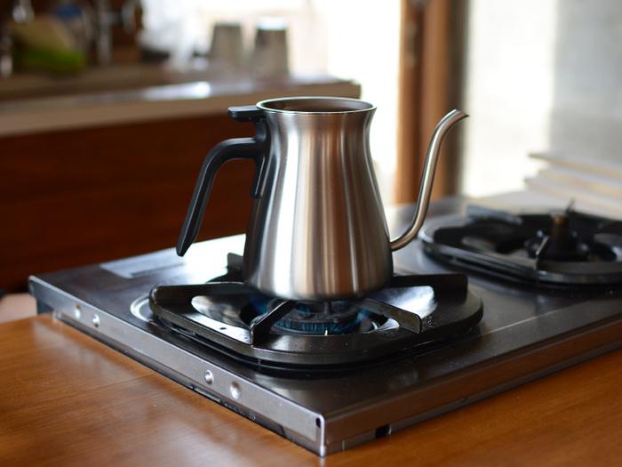「直火式」とはその名の通り、直火(ガスコンロ)対応タイプのコーヒーケトルです。