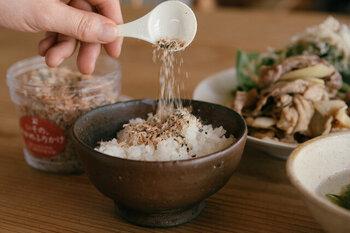 どれも国内産原料の出汁だけで旨味をとっているので、熱々のご飯にはもちろんのこと、おにぎりにしたり、パスタや塩焼きそば、お豆腐やサラダなどにもおすすめです。