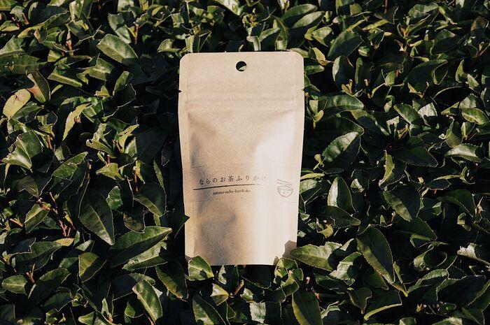 奈良市の月ヶ瀬の豊かな土壌で1957年から、お茶を作り続けてた家族経営の茶農家「たつみ茶園」の「ならのお茶ふりかけ」。