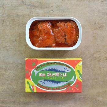 寒さばを、香り高い木頭柚子と塩、トマトソースでじっくりと煮込んださばトマト煮缶です。