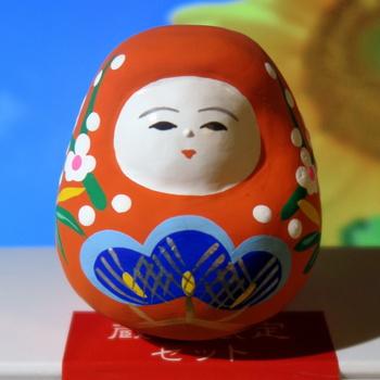 ちなみに「加賀八幡起上り」は、縁起ものとして親しまれてきた郷土玩具。やさしい笑顔に、心がほっこりと癒されます。