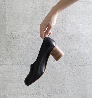 素敵な靴はあなたを素敵な場所へ連れて行ってくれるという、ヨーロッパの言い伝えがあります。上質な靴は、あなたのコーデをランクアップし、心を満たす場所へと連れて行ってくれるに違いありません。