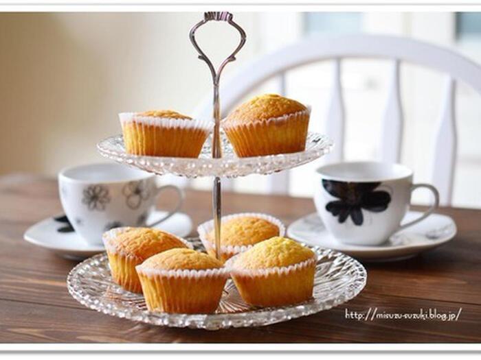 レモンのはちみつ漬けの感覚でお菓子作りにレモン酢を活用してみませんか?  レモン酢の爽やかな風味のカップケーキは大人のティータイムのお供にも。お菓子作りに使う時はレモン酢のお酢の分量を控えめに仕込むとレモン酢の活用の幅が広がりますよ。