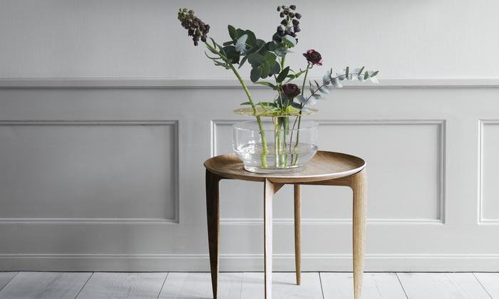 丈の高い植物やボリューム感あるお花も、倒れる心配なく飾ることができます。見た目のスタイリッシュさだけでなく、実用性の高さも魅力ですね。