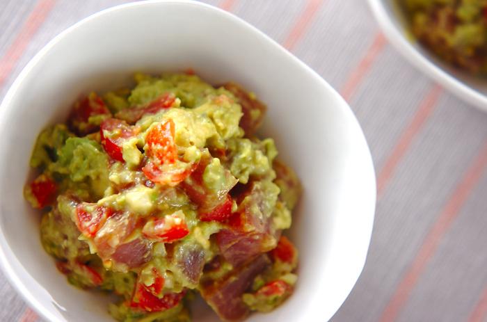 アボカドとマグロが合うのは知られていますが、アボカドをディップにして和えるのはちょっと新鮮。味がよくからんで、まろやかです。