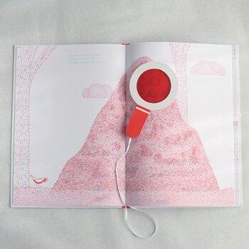 楽しい仕掛けで世界中で大人気の絵本は、お誕生日や入園祝いの贈り物にもおすすめです。