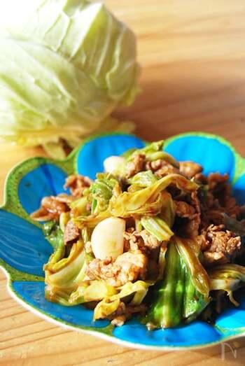 きゃぺつと豚こまがあれば、サッと作れてご飯が進む回鍋肉。ガーリックを入れることでスタミナたっぷり、疲れた日にもおすすめの一品です。