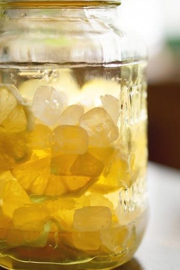 毎日摂りたい!体喜ぶ「レモン酢」の作り方・飲み方・活用レシピ