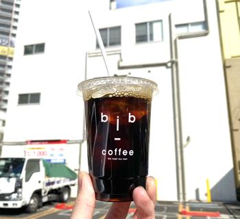 こちらのお店で淹れるコーヒーは、シングルオリジンではなく、ブレンドがメイン。オーナーのご実家がある長野県に焙煎所を作り、毎週のように通って焙煎しているそう。