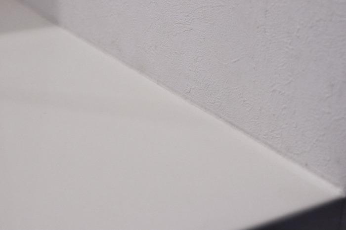 キレイに貼れるとこんな感じに。後から空気を抜こうとしても、テープがシワになってしまって難しいので、最初からゆっくりキレイに貼るのがポイントです。