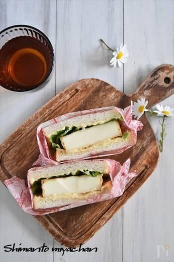 厚揚げを照り焼きにしてサンドイッチの具に。食べ応え満点でヘルシーなサンドイッチの完成です。