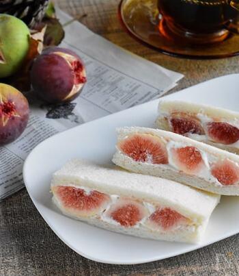 いちじくの酸味に、甘めの生クリームがよく合います。いちじくジャムもプラスして、風味と旨味をアップ。