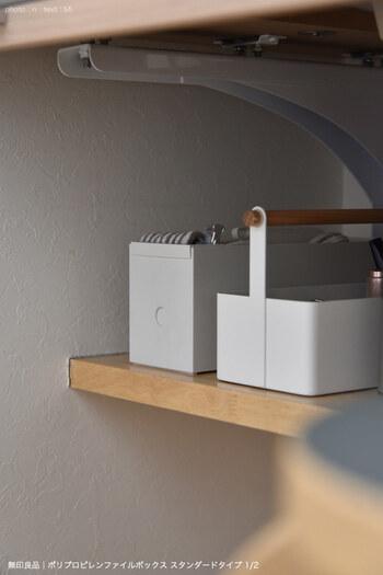 シンプルな無印のボックスは、どんな場所にも馴染むのが魅力です。取り出しやすい場所に置いておきましょう♪