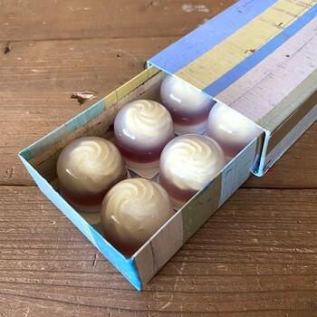 箱のパッケージもおしゃれで、お取り寄せして手土産にしても喜ばれそう♪レアチーズがほんのり透ける見た目が涼しげで、これからの季節のおやつにぴったりです。