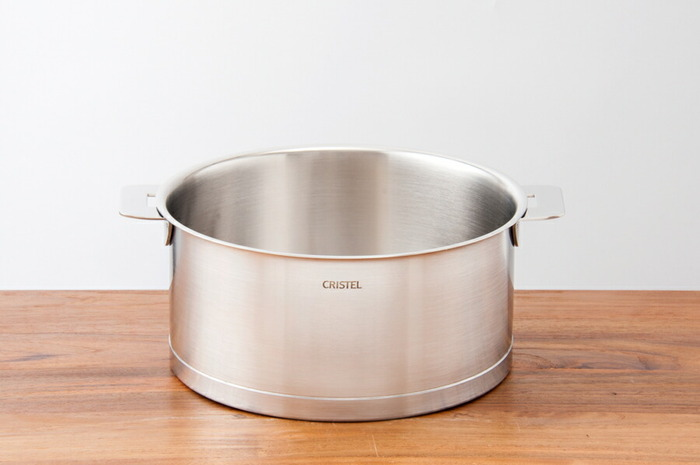 「CLISTEL(クリステル)」はフランス生まれのステンレス多層鍋。アルミをステンレスで挟んだ構造になっているので、熱伝導率、保温性も抜群。