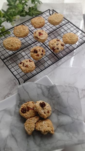 オートミールと甘酒が入った、体に優しいクッキーのレシピ。お砂糖を使っていなのも嬉しいですね。