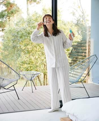 正直、オールシーズンずっと心地良く着られるルームウェア・パジャマなんてありません!夏でも冬でも1枚でサラッと着られるように、季節に合わせて何着か持っていたいですね。