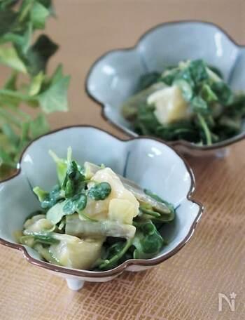ウドの酢味噌和えは、春の定番山菜レシピのひとつですが、クレソンを加えて爽やかさをアップ。ウドのシャキッとした歯ごたえとクレソンのさっぱり感で、箸休めにも◎