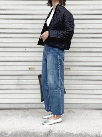 手持ちのデニムを切りっぱなしにリメイクしているオシャレさんが急増中!古着やプチプラのデニムなら、気軽に挑戦しやすいですね。