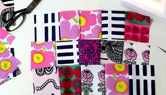 一列の横長の布同士を縫い合わせます。柄の配置を間違えないように、上下を確認しながら縫い合わせましょう。