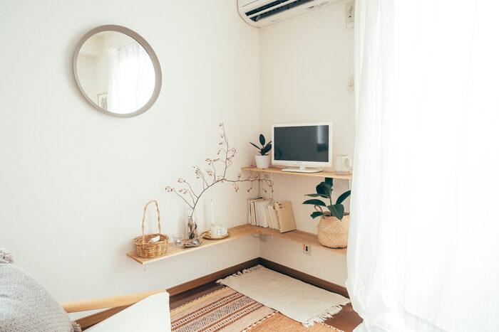 また、プラスチック製品をなるべく避けることで、木の素材やかごなど、自然素材のぬくもり感のあるお部屋になっています。 お部屋で過ごす時間は、芯からリラックスできそうな空間になっていますね。