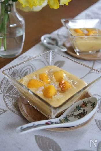 台湾やシンガポールでは定番のデザート楊枝甘露(ヨンジーガムロ)も冷凍マンゴーを使えば手軽に作ることができます。合わせる柑橘類はグレープフルーツ、文旦、日向夏などがおすすめです。
