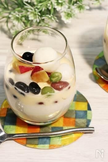 ココナッツ風味のブラマンジェとカスタードソースに白玉や黒豆をトッピング。一時期ブームになったマレーシア生まれのスイーツがおうちで楽しめます。