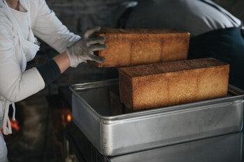 長野県東御市のお店「わざわざ」よr、私たちの朝ごはんにピッタリの角食をはじめとしたパンセットのご紹介です。