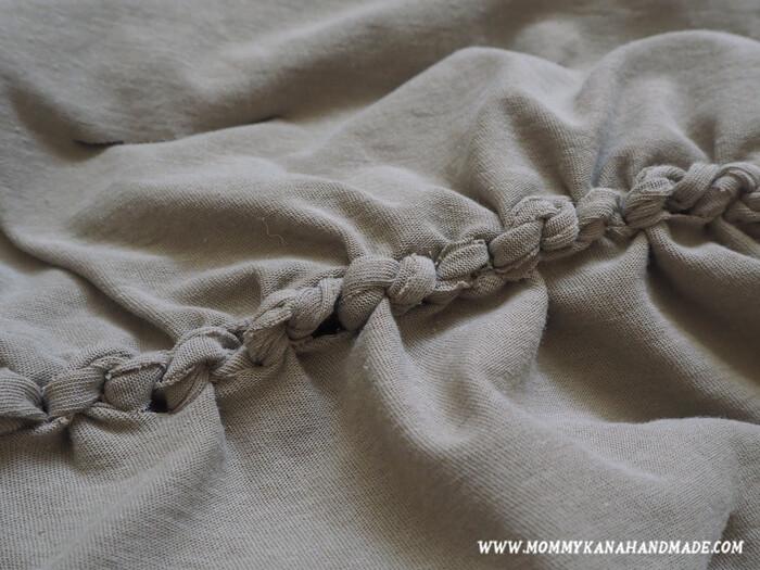 フリンジが見えないように内側に入れると、外側にはこのような編み目が見えてきます。これはこれで可愛いです!