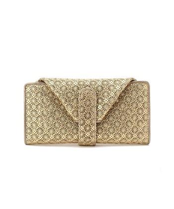 イタリアで活躍する日本人デザイナー、林 ヒロ子氏が手がける「HIROKO HAYASHI(ヒロコ ハヤシ)」のお財布をご紹介。都会的なエッセンスを感じさせるデザインのラインナップが多く、女性に美しい華やかさを添えてくれます。  牛革を型押し&型抜きした、一見金網のように見える連続的な模様が美しいデザインのお財布をご紹介。