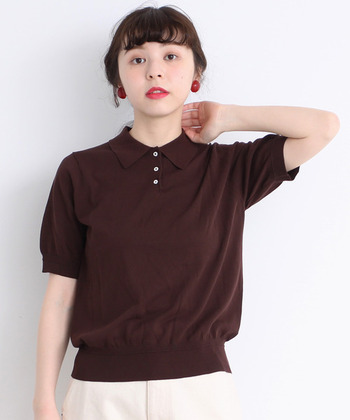 襟×ボタンのきちんと感のある「ポロシャツ」は、柔らかい生地で着心地が良いのも魅力です。